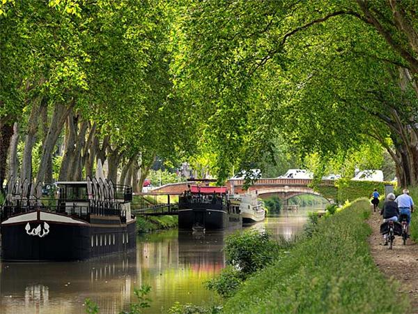 Canal du Midi cycling holiday in France