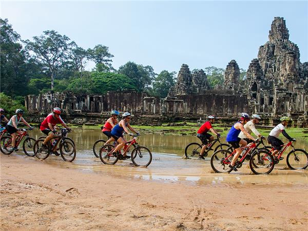 Biking vacation in Indochina