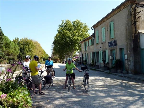 Canal du Midi cycling vacation in France