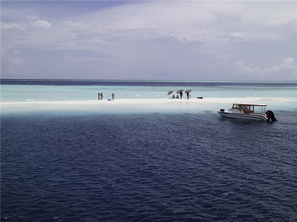 Maldives vacations, Dhoni cruise