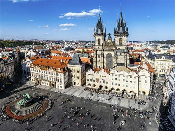 Prague to Budapest cycling vacation