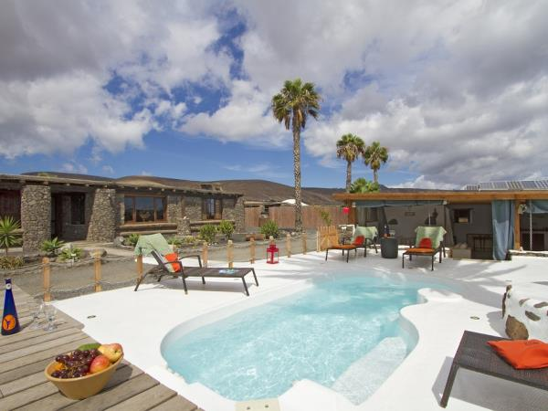 Lanzarote luxury farmhouse accommodation, Canary Islands