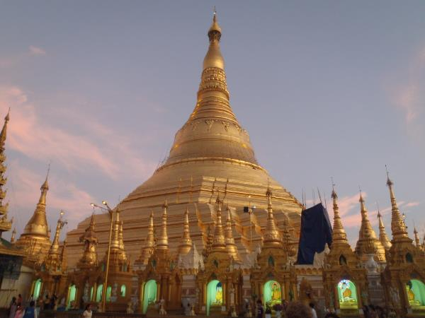 Burma family cultural & adventure vacation