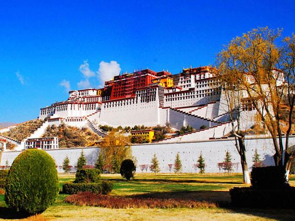 Lhasa small group tour in Tibet