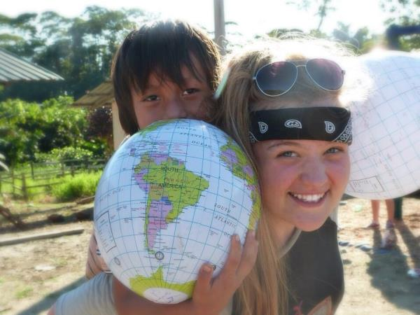 Ecuador community volunteering, Pacific coast & Amazon