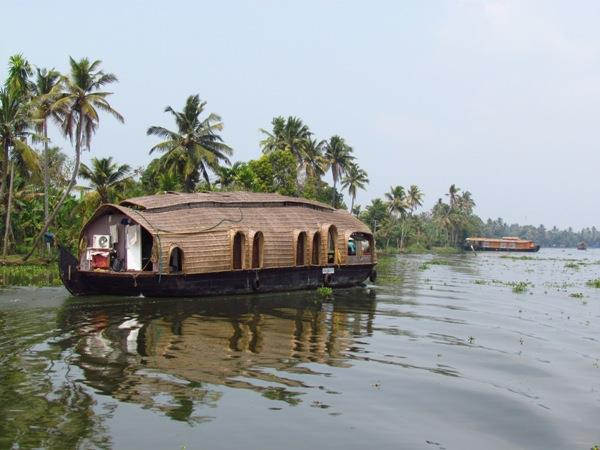Kerala holidays, wildlife & waterways