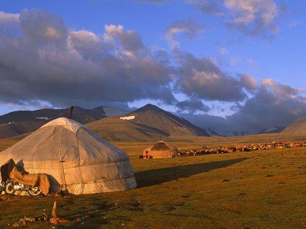 Horse trekking vacation in Mongolia