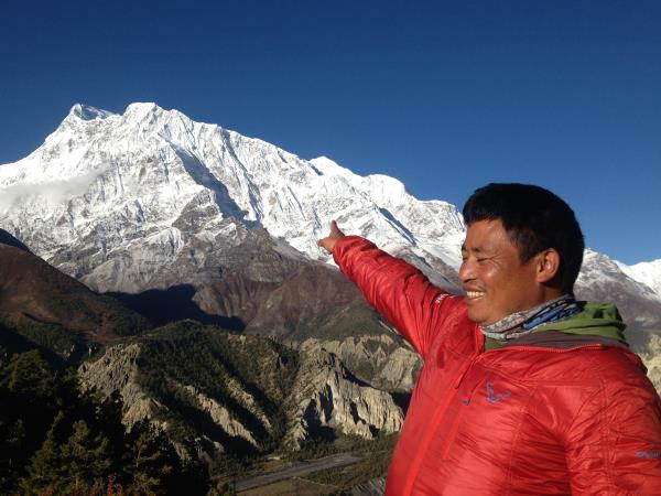 Annapurna Circuit hiking and biking vacation