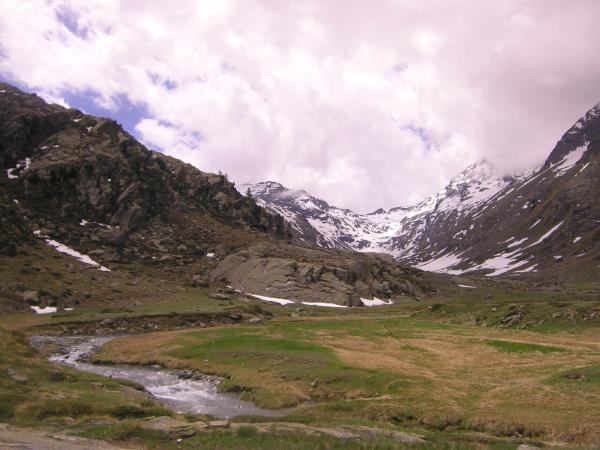 Gran Paradiso walking vacation in the Italian Alps