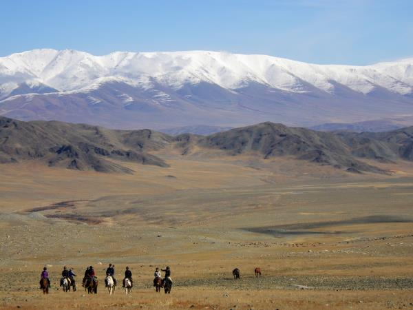 Mongolia horse riding vacation, Altai Taster