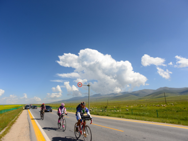 Qinghai Lake cycling tour in China