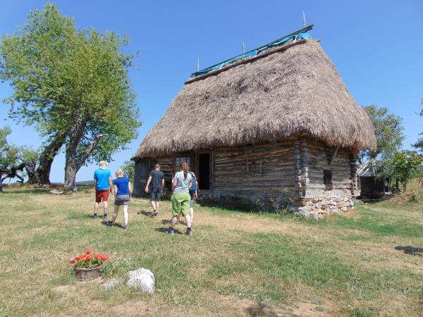 Romania activity vacation, Western Carpathians