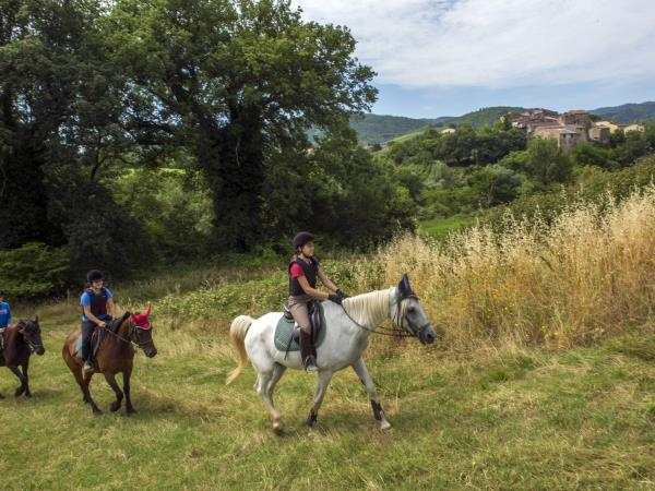 Tuscany horse riding holidays for families