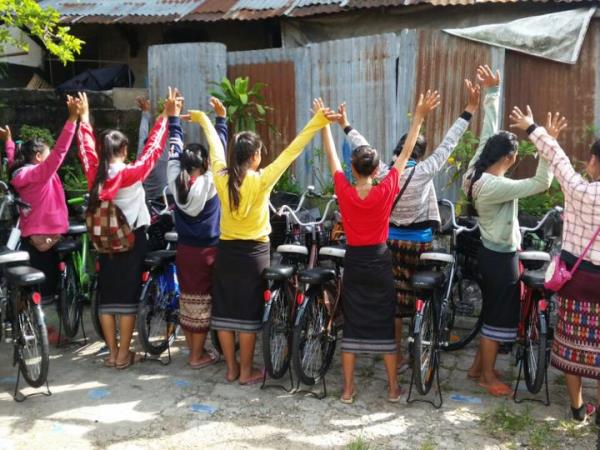 Volunteer in Laos, empower and educate women