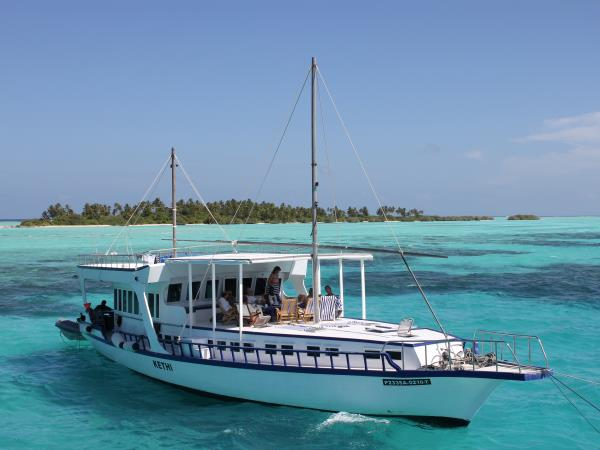 Sri Lanka tour and Maldive Dhoni cruise