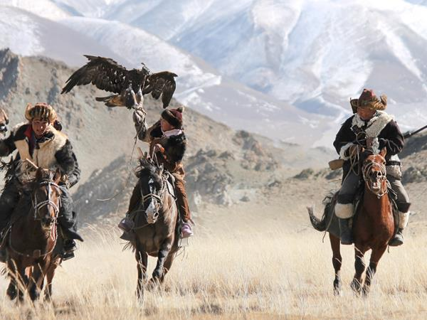 Mongolia eagle hunting festival vacation