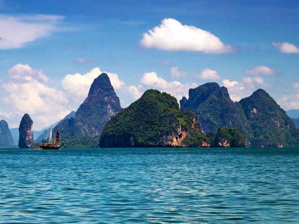 Yacht charter in Thailand, families
