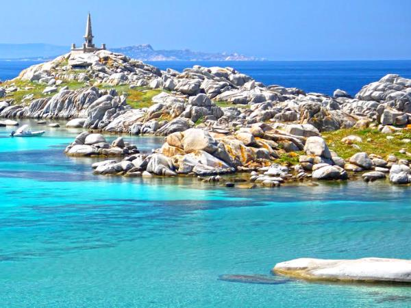 Yacht charter to Sardinia to Corsica, 8-12 people