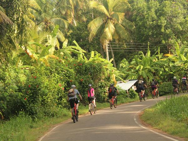 Sri Lanka coast to coast cycling vacation