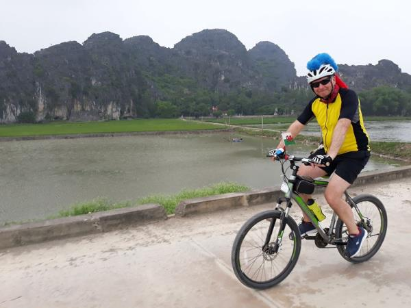 Vietnam to Laos cycling vacation