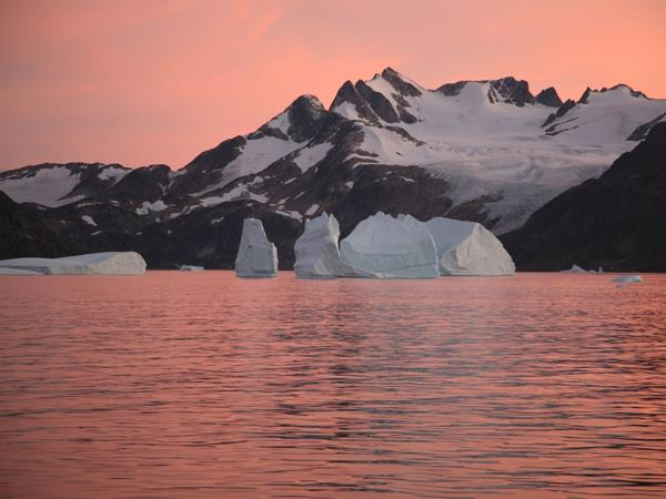 Greenland voyage cruise and northern lights