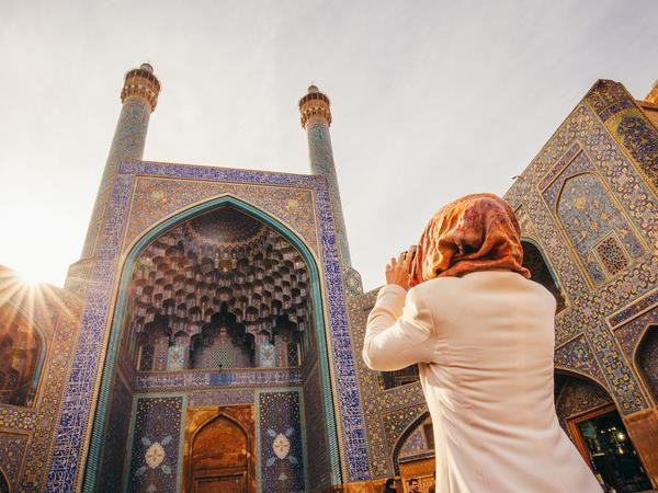 Women only tours to Iran