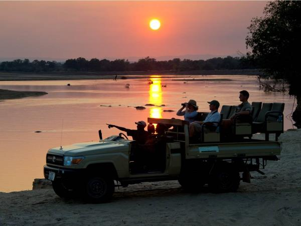 Zambia wildlife vacation, the Luangwa Valley