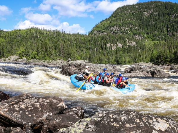 Canada rafting holiday on the Magpie river