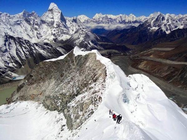 Nepal Island Peak trekking expedition