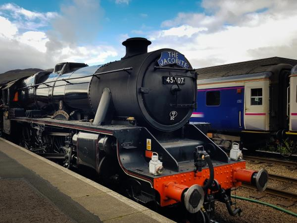 Loch Ness, The Jacobite & Skye guided rail tour