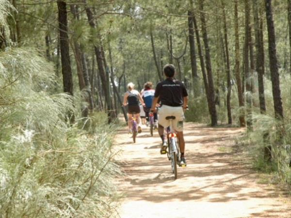 Family cycling vacation in the Algarve