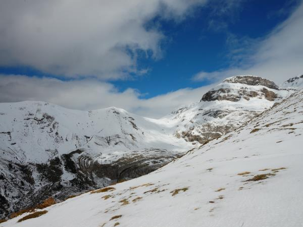 Guided snowshoeing holiday in the Pyrenees
