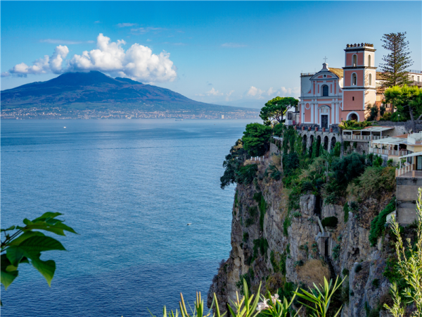 Sorrento Peninsula walking tour in Italy