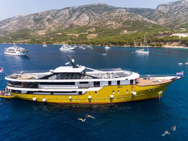 Zadar to Split cruise in Croatia, 6 days