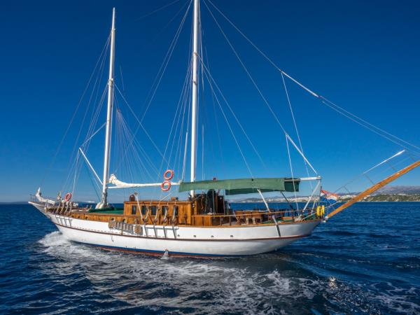 Croatia Gulet cruise Dubrovnik to Split or VV