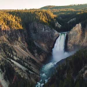 Best time to go to Yellowstone National Park