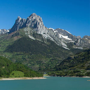 Spanish Pyrenees holidays guide
