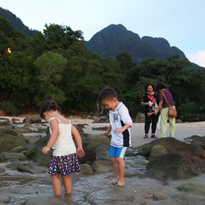 Travelling in Sarawak with kids