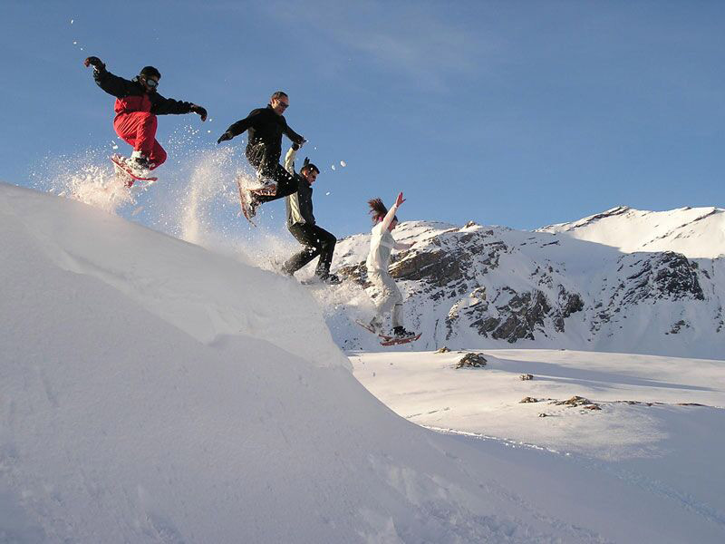 Winter activity vacation in the French Alps