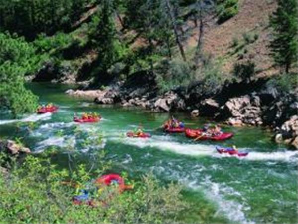 Salmon River rafting holiday in Idaho, USA