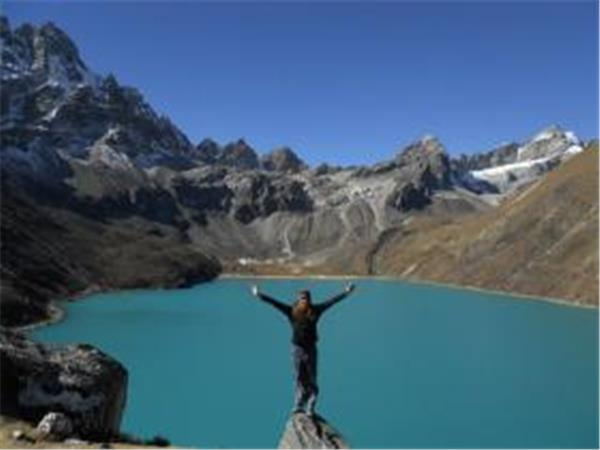 Everest and Gokyo Lakes trekking vacation