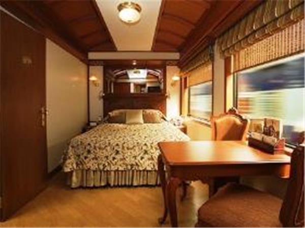 India luxury train vacation, Maharajas Express
