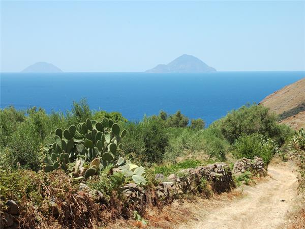 Sicily walking vacation, Sicilian Volcanoes