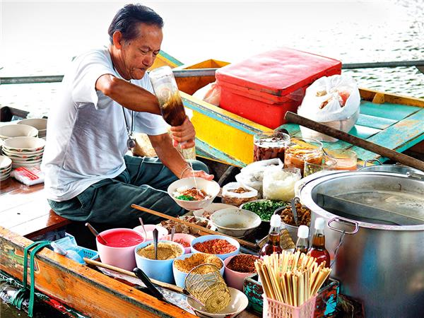 North Thailand group vacation, a food adventure
