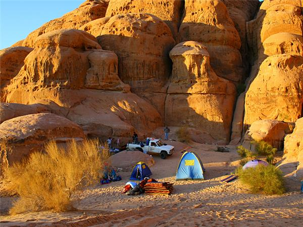 Petra and Wadi Rum trekking vacation