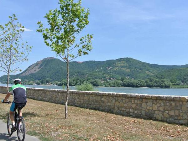 Danube cycling holiday, self guided
