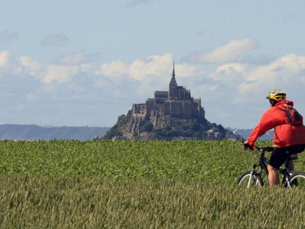 Self guided cycling vacation in Brittany, France