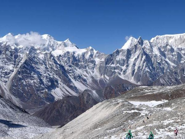 Manaslu Circuit trekking vacation in Nepal