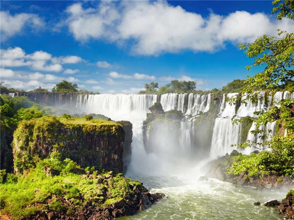 Adventure vacation in Patagonia with Iguazu Falls