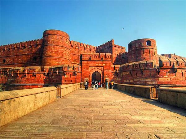 Delhi to Mumbai tours in India